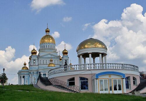 Saransk Cathedral2.jpg