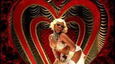 Christina_Aguilera,_Lil'_Kim,_Mýa_&_Pink_-_Lady_Marmalade_(HQ)