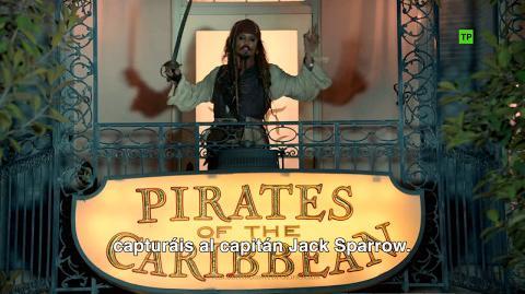 Piratas del Caribe La Venganza de Salazar Sorpresa Johnny Depp en Disneyland HD