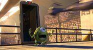 Nemo-Trailer door-Monsters-Inc