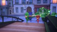 Screenshot 2020-11-02 PJ Masks - S4EP12 Munki-gu's Dragon Gekko Loves Lionel - YouTube(4)