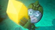 Gekko grabs the crystal