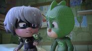 Luna Girl explaining her plan to stop Mothzuki