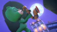 Gekko playing the saxophone