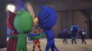 An Yu whispers to the PJ Masks