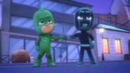 Gekko and Night Ninja Fist Bump