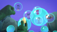 Gekko frees everyone from the bubbles 1