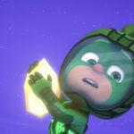 Gecko holds onto the floating crystal.jpeg