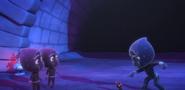 Night Ninja asking Teeny Weeny where the Splat Monster is