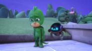 Gekko and PJ Robot sad