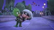Gekko carries Luna Girl in his arms again!