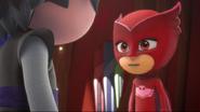 Owlette talks to Luna Girl