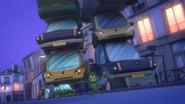 Gekko holds 6 cars