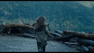 Ellie runs towards the Dam