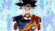 Son Goku (2) (SDBH, odc. 006)