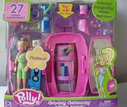 Polly Pocket Groovy Getaway Suitcase Surprise Polly