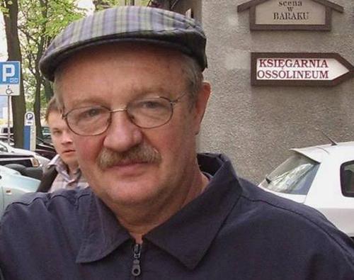 Damian Damięcki