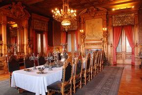 1 1293810830 grand-dining-room