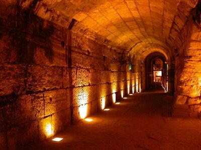 Western-wall-tunnels3-cc-ramikey.jpg