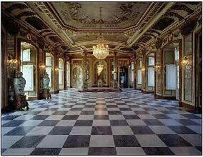 Goldtimbers Mansion hall way
