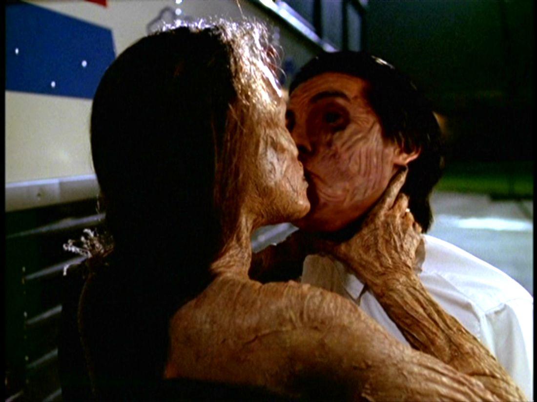 Absorption Kiss