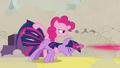 S02E26 Pinkie fires Twilight 2