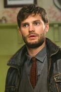 Sheriff-Graham-Episode-2-17-Welcome-to-Storybrooke-sheriff-graham-the-huntsman-33892900-1333-2000