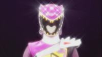Kyoryu Violet female Henshin