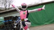 Gokaiger Ep. 12 - Pink Flash