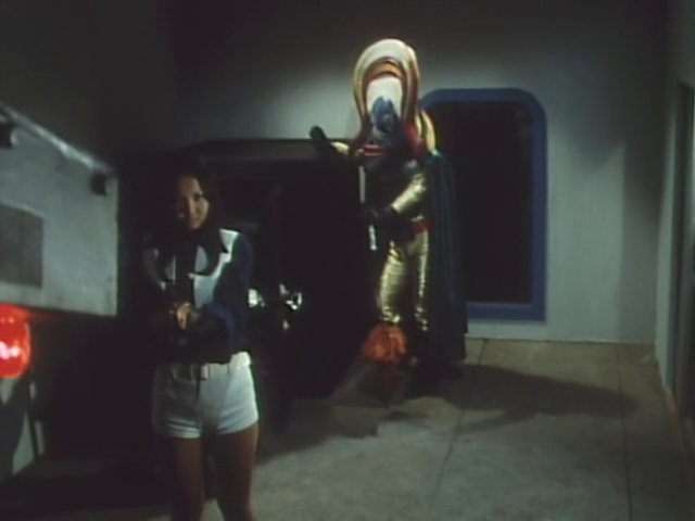 Ep. 33: The Red Target! A Fake Gorenger Appears