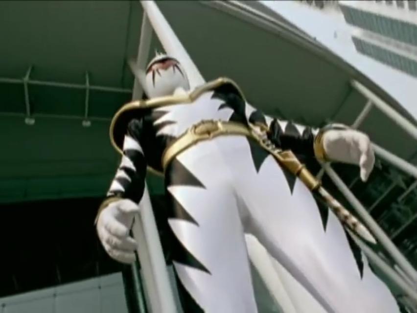 Comparison:Ep. 18: Who is It? It's AbareKiller! vs. White Thunder