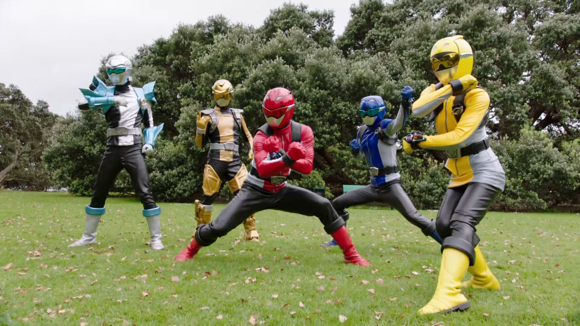 Power Rangers Beast Morphers Episode 10 Preview Full Team Morph Official First Look 1-5 screenshot.png