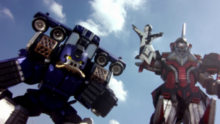 Controladrone (controlling) Wheeler Zord.png