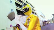 Kyoryuger vs. Go-Busters - ToQ 1gou Yellow