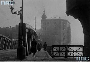 Chwaliszewo - spacer przez most