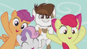 CMC tells students to vote for Pipsqueak; Pip smiles S5E18.png