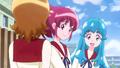 Hime preguntandole a Yuko sobre como hace los dulces