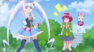 Megumi viendo a princess recien transformada