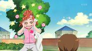 15. Haruka hablando con Hanae