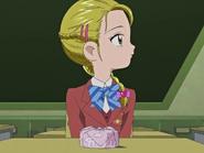 Hikari comiendo sola