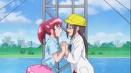 Mami y Megumi emocionadas