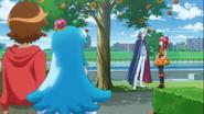 Seiji y Hime ven a ambos hablar