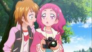 Nagisa y Hnana con la cámara Miden