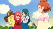 96.Kirara y Minami consolando a Towa