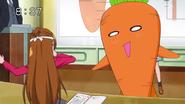 Mana disfrazada de Zanahoria