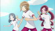 Tsubomi, Erika e Itsuki decididas a detenerlos