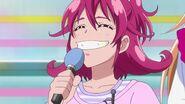 Мана поёт