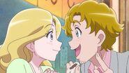 HGPC17 Mr and Mrs Smith love the Sukoyaka Sweet Bun