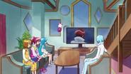 Las chicas y blue viend a phantom en television