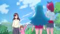 La pequeña despidiendose de Hime y Megumi